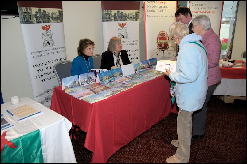 The Llanelli Community Heritage table with Caroline Streek (L) and Jane Carter (R).