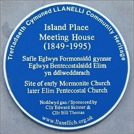 Island Meeting Place Blue Plaque